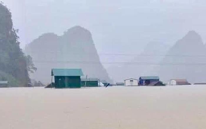 Nhờ mô hình nhà chống lũ, 1 làng ở Tân Hóa (Quảng Bình) tạm yên tâm