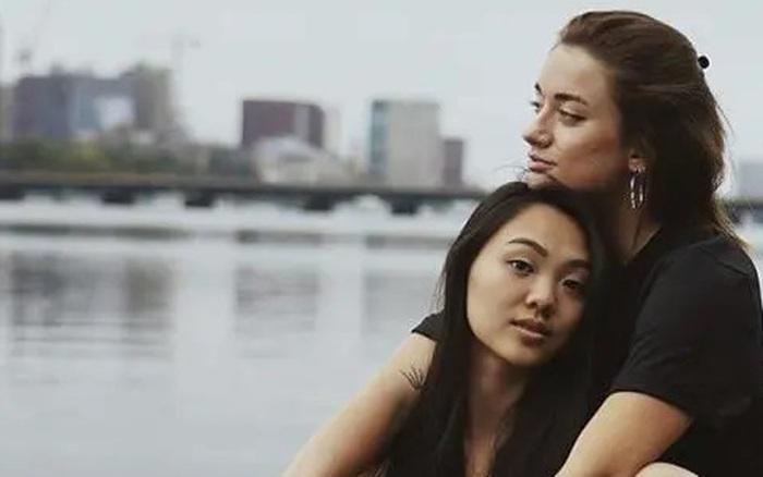 Con gái Lý Liên Kiệt dính nghi án vướng vào mối tình tay 3 đồng giới?