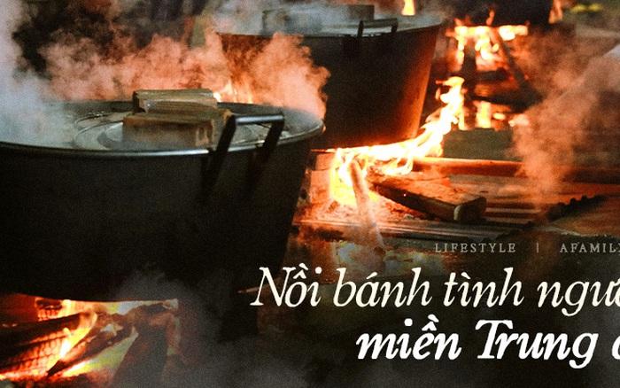 Trắng đêm nổi lửa vì miền Trung ruột thịt: Cả xã huy động hết những chiếc nồi lớn nhất vùng, không ngủ nấu hàng nghìn chiếc bánh chưng mang lên chuyến xe cứu trợ