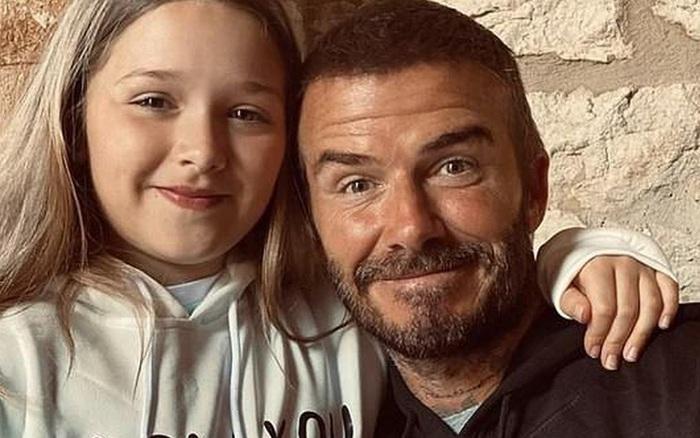 Không chỉ thường xuyên có hành động nhạy cảm với con gái, vợ chồng David Beckham còn gây tranh cãi bởi