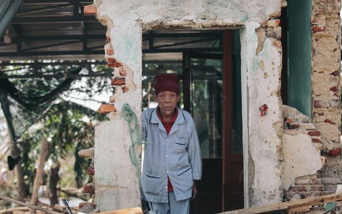"""CẬN CẢNH: Bên trong tâm lũ Quảng Bình sau trận """"đại hồng thủy"""" lịch sử, khung cảnh hoang tàn minh chứng cho sức tàn phá khủng khiếp của thiên tai"""