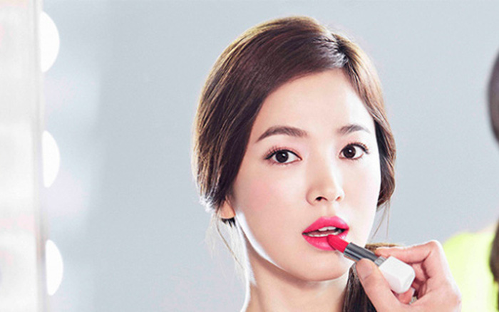 """Nguyên nhân khiến Song Hye Kyo dù đã gần 40 tuổi lại vướng scandal trốn thuế và ly hôn vẫn được các """"ông lớn"""" sang chảnh """"chọn mặt gửi vàng"""""""
