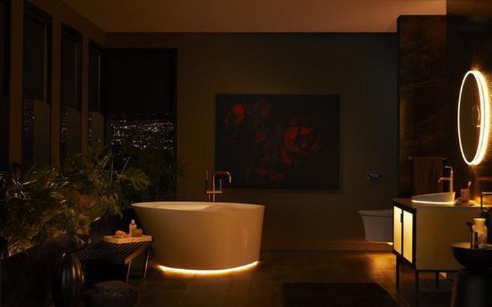 Dạo quanh phòng tắm công nghệ cao đặc biệt, nơi có thể điều khiển mọi thứ từ toilet đến gương bằng giọng nói với giá bán gần 400 triệu