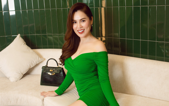 """Thân hình thon gọn khó tin ở tuổi 41 của """"Hoa hậu ba con"""" Phương Lê"""