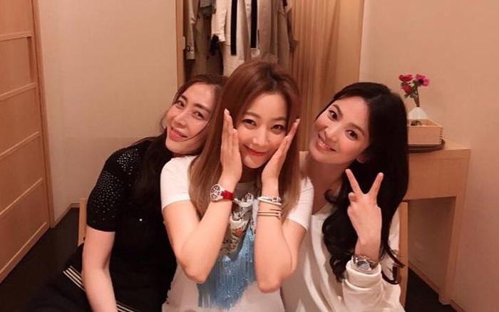 Kim Hee Sun tự tin bản thân đẹp hơn Song Hye Kyo và Kim Tae Hee