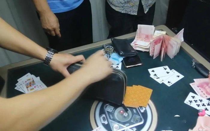 Gái xinh quen qua mạng rủ chơi bài, người đàn ông thua sạch hơn 13 triệu đồng và quá trình bị