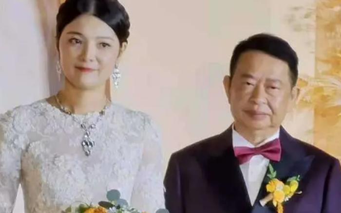 Cặp đôi livestream tổ chức hôn lễ đình đám, cư dân mạng biết được danh tính và tuổi tác đã thể hiện sự chế giễu