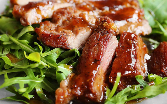 """Trời trở lạnh, chế biến thịt lợn theo cách này và ăn kèm kim chi, đảm bảo """"đưa cơm"""" vô cùng"""