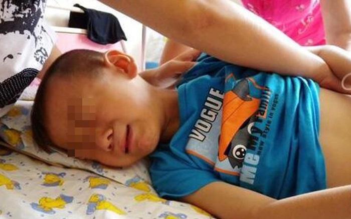Bé trai 4 tuổi tử vong ngay sau khi uống cốc sữa đậu nành của mẹ: Bác sĩ cảnh báo những sai lầm cần tránh kẻo