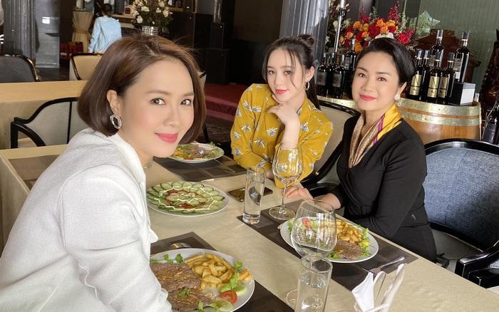 Dân mạng sốc vì nữ diễn viên thủ vai mẹ Hồng Diễm, Quỳnh Kool mà nhìn như chị em gái, hóa ra từng là