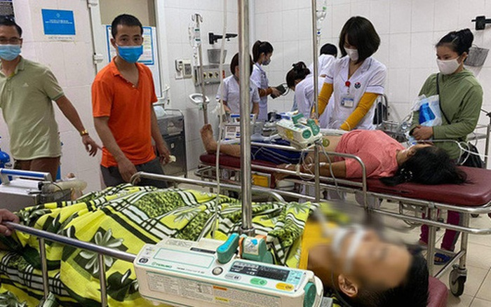 Hà Tĩnh: 4 người trong gia đình nguy kịch nghi ngộ độc
