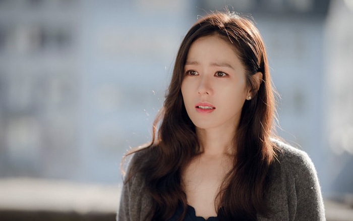 Son Ye Jin trở lại sau tin đồn có bồ mà không phải Hyun Bin: Nghẹn ngào kể lại ngày tháng bị suy sụp, lo lắng tột độ vì Mỹ tiến