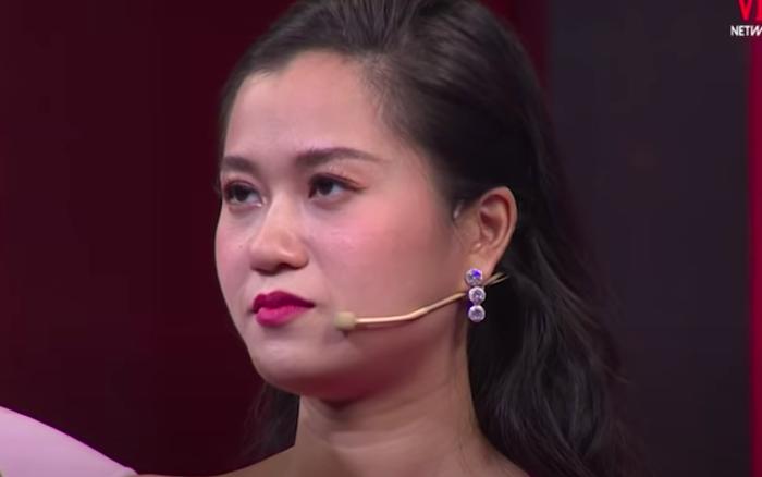Lâm Vỹ Dạ cáu gắt, tức giận khi bị đồng nghiệp chê bai nhan sắc trên sóng  truyền hình