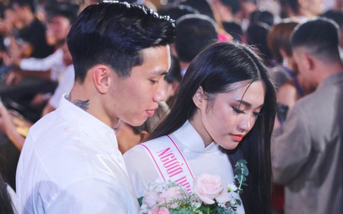 Không chỉ gây chú ý vì tin đồn tình ái với cầu thủ Văn Hậu, người đẹp này còn có học vấn khủng, cùng trường với một MC đình đám
