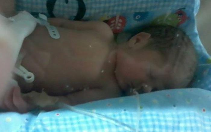Bà mẹ mang thai 5 tháng bị tai nạn dẫn đến hôn mê sâu, tưởng sống kiếp người thực vật thì 3 năm sau ai cũng ngỡ ngàng khi thấy hình ảnh này