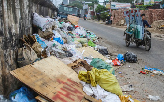 Hà Nội chỉ đạo 'nóng' vụ ô nhiễm rác thải do công nhân đình công