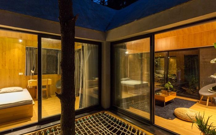 Ngôi nhà nhỏ 40m² chênh vênh trên núi