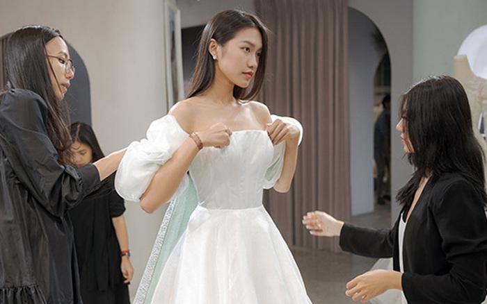 Lần đầu xuất hiện sau đêm Chung kết HHVN 2020, Doãn Hải My bất ngờ được mẹ đưa đi thử váy cưới - xổ số ngày 03122019