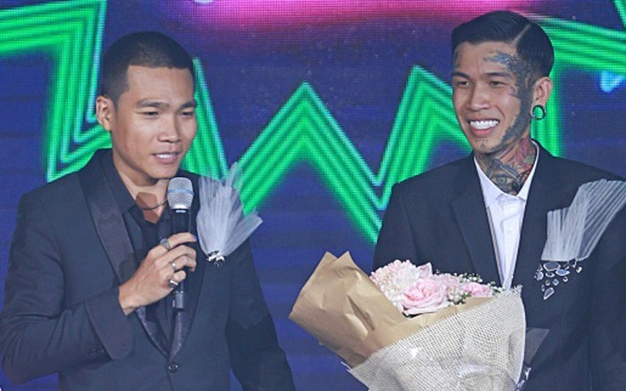 Sau khi chiến thắng Rap Việt, thầy trò Wowy - Dế Choắt làm bùng nổ Làn Sóng Xanh Party tháng 11, khán giả hò reo muốn vỡ sân khấu