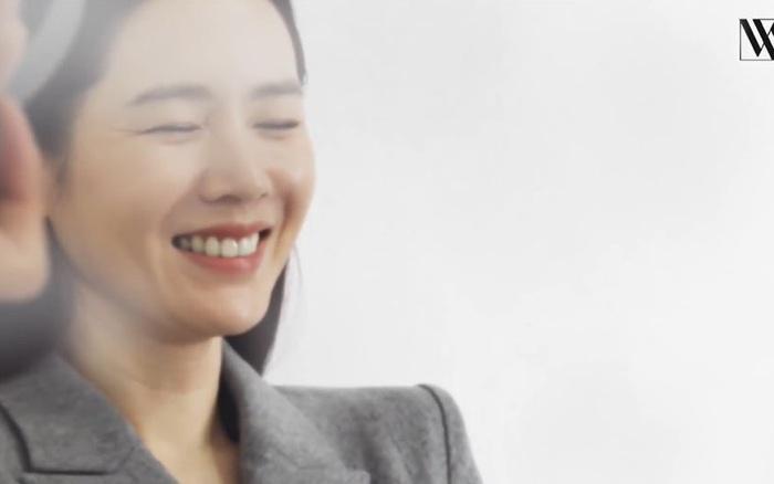 Son Ye Jin lộ nhan sắc thật qua loạt ảnh hậu trường chưa chỉnh sửa, liệu có hoàn hảo như nhiều người nghĩ?