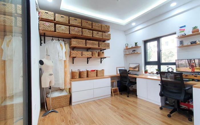 Bỏ ý tưởng mua nhà phố, đôi vợ chồng trẻ ở Sài Gòn mua hai căn hộ nhỏ liền kề rồi cải tạo lại thành không gian sống hoàn hảo