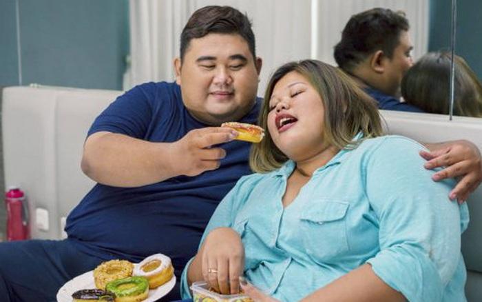Tin vui cho hội sắp Tết vẫn độc thân: Yêu vào lười biếng và dễ béo hơn nhiều!