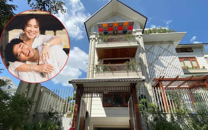 Biệt thự ngập tràn sắc hoa đẹp như trong phim Hàn của diễn viên Quý Bình và người vợ doanh nhân