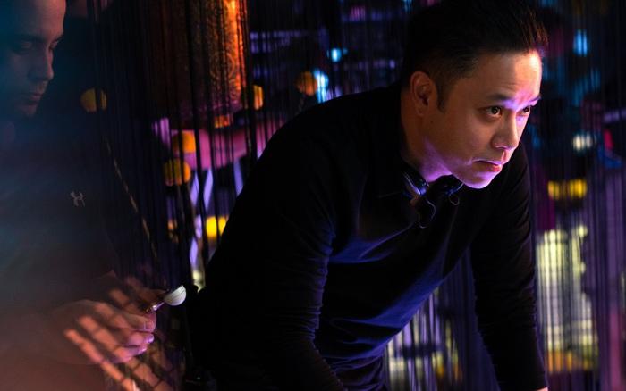 Victor Vũ lại gây sốt khi tái hiện showbiz xa hoa và câu chuyện tâm linh, bùa ngải trong