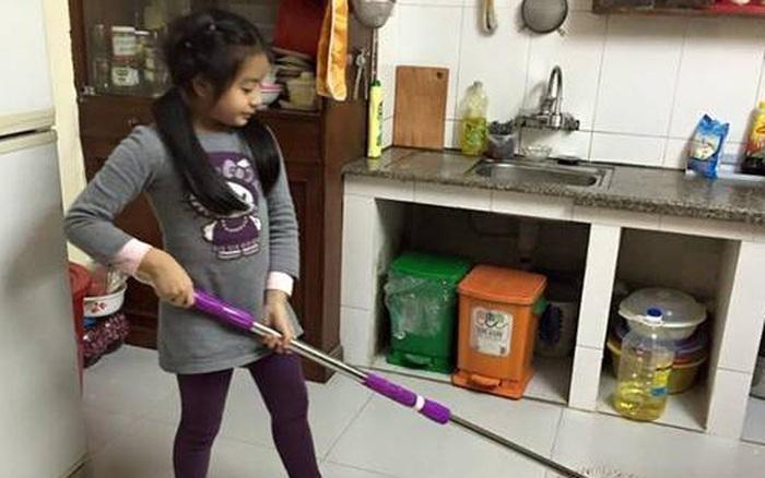 """Trả gần 500k để con làm việc nhà, bà mẹ ngỡ ngàng phát hiện """"âm mưu"""" không tưởng tượng nổi của cô con gái láu cá"""