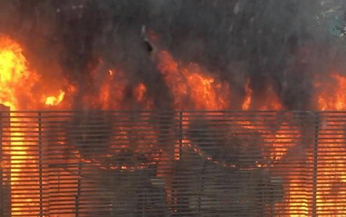 Hà Nội: Cháy hệ thống điều hòa chung cư, hàng trăm cư dân hoảng loạn tháo chạy