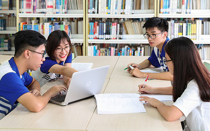 Thí sinh đang phân vân chọn học Ngôn ngữ Anh ở đâu, đây là review 6 trường đại học danh tiếng ở TP. HCM không thể bỏ qua