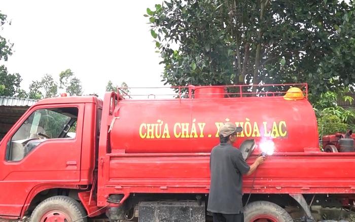 """""""Siêu xe chữa cháy"""" của những nông dân hai ..."""