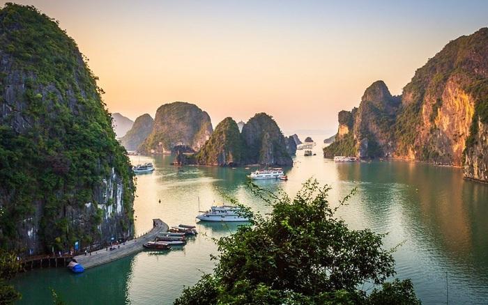 Miễn phí tham quan Vịnh Hạ Long cho công dân Việt Nam trong tháng 5