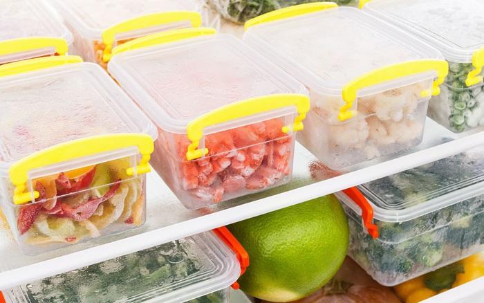 Nếu cứ bảo quản hộp thực phẩm không đúng cách thế này chỉ khiến thức ...