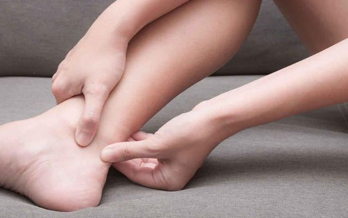 Đi khám vì bị đau gót chân, không ngờ phát hiện ...