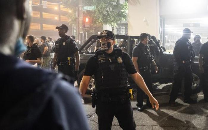 Mỹ: Nổ súng điên loạn vào đám đông biểu tình, 1 ...