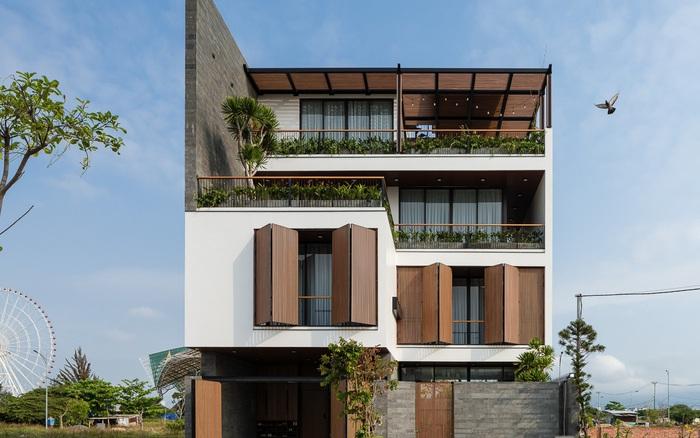 Ngôi nhà với đủ không gian sân vườn xanh mát cùng ...