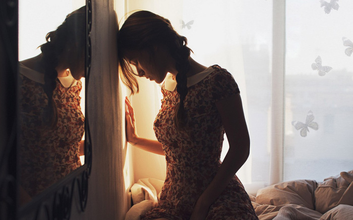Bực tức vì chồng bắt dùng lọ nước hoa cũ kĩ mỗi đêm, tôi sởn da ...