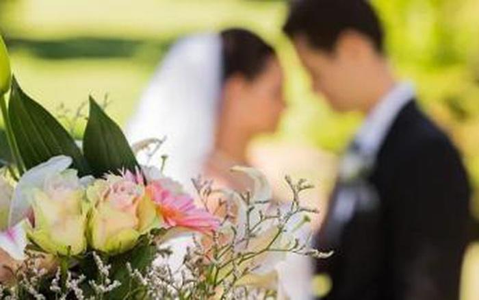 Người phụ nữ dựa vào một tờ giấy ly hôn với chồng cũ đã cưới được 5 người ...