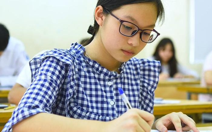 Đề thi chính thức 3 môn Toán, Ngữ Văn, tiếng Anh vào trường THPT ...