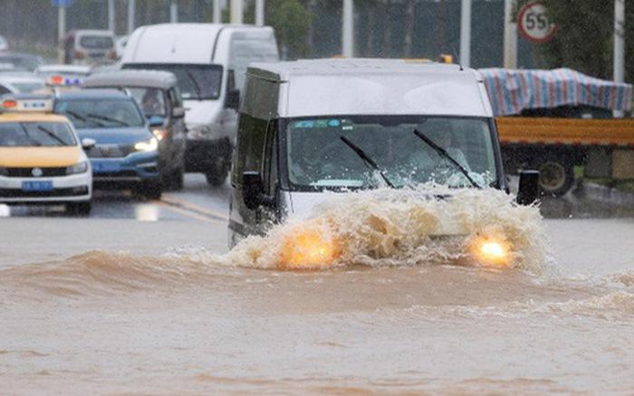 Mưa lớn không dứt, Trung Quốc nâng phản ứng lũ lụt lên mức cao thứ 2