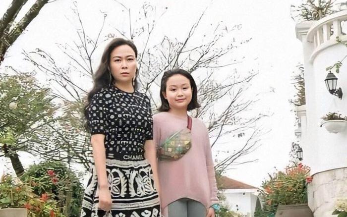 Con gái Phượng Chanel: Được mẹ đầu tư số tiền khủng cho việc học, nhỏ tuổi nhưng đã ...