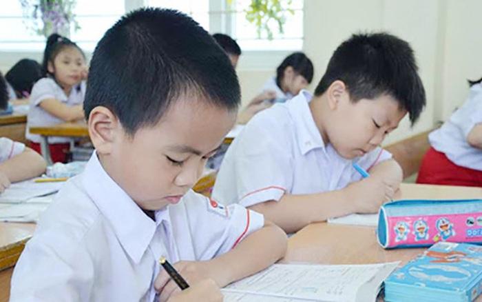 MỚI: 1 quận ở Hà Nội đóng cửa tất cả các cơ sở giáo dục sau khi phát hiện ca dương tính Covid-19
