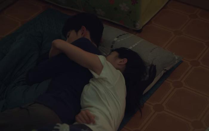 """""""Điên thì có sao?"""": Được Kim Soo Hyun rủ đi ..."""