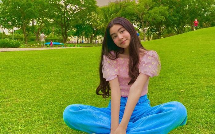 Tiếp bước chị gái Lọ Lem, cô út Hạt Dẻ nhà MC Quyền Linh đến tuổi xinh như Hoa hậu nhờ một chi tiết đặc biệt quan trọng này