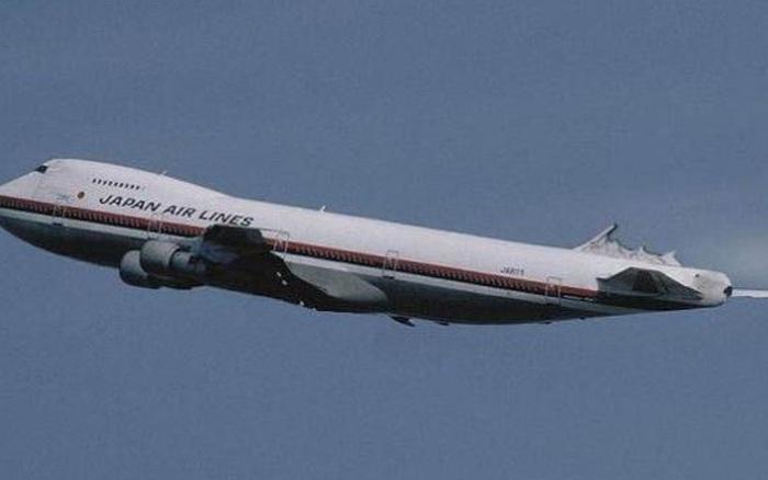 Chiếc máy bay gặp nạn 35 năm về trước khiến hơn 500 người chết bất ngờ xuất hiện trở lại làm dân Nhật hoang mang