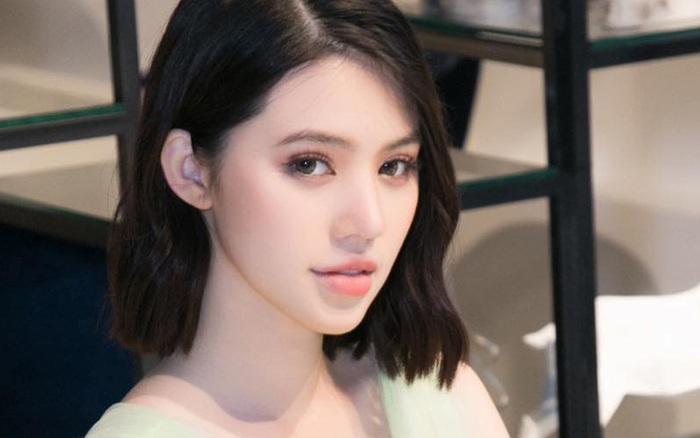 Hoa hậu Jolie Nguyễn khoe được cầu hôn bằng nhẫn kim cương nhưng lại bị