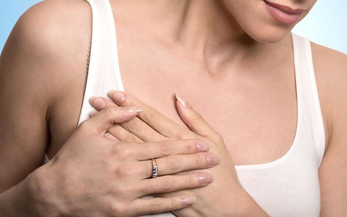 Thấy rõ dấu hiệu nghi ngờ nhưng bác sĩ liên tục chẩn đoán sai, người phụ nữ 35 tuổi quyết tâm làm một việc giúp mình chiến thắng bệnh ung thư vú