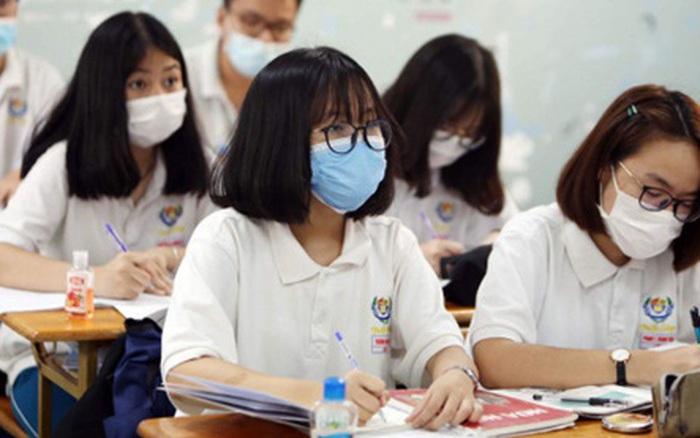 Khuyến cáo của Thứ trưởng bộ Y tế về kỳ thi tốt nghiệp THPT: Không bật điều hoà, mở cửa sổ phòng thi