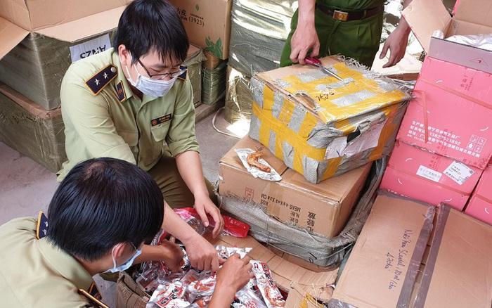 Phát hiện kho chứa 80.000 khẩu trang Trung Quốc ở Sài Gòn